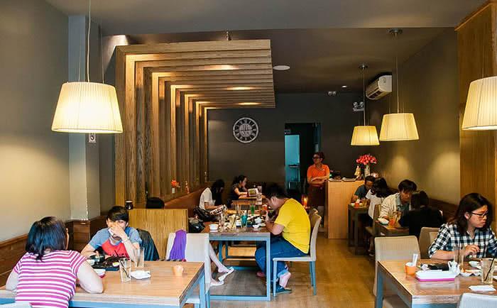 Nhà hàng YummyQ 107K Trương Định không gian 1