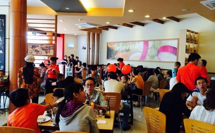 """Đặt bàn trước khi đi ăn, thước đo """"văn hóa"""" tương lai của người Việt 1"""