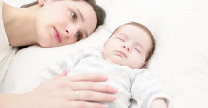 Mẹo giúp phụ nữ sau sinh xì hơi nhanh bằng thuốc lào ảnh 1