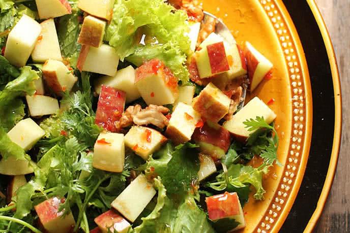 10phút có salad táo tuyệt ngon ăn kèm món gì cũng tuyệt 1