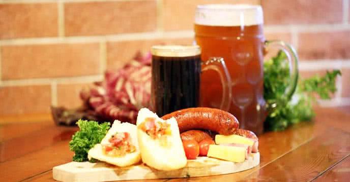 nhà hàng thế giới bia lã vọng hoàng ngân 1