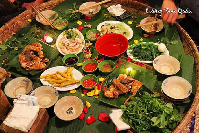 top 10 địa điểm ăn ngon rẻ nổi tiếng nhất Hà Nội 7
