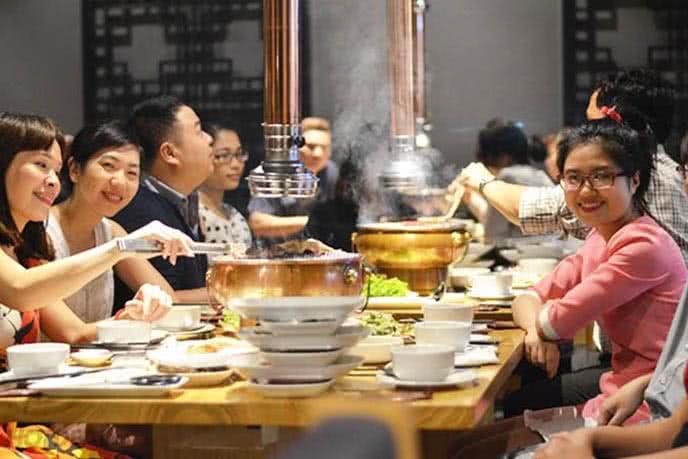 TOP 10 NHÀ HÀNG BUFFET ĂN NGON NHẤT Ở ROYAL CITY 11