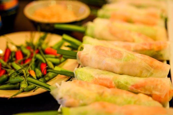 20 địa chỉ buffet ăn vặt ngon rẻ, nổi tiếng ở TpHCM ảnh 1
