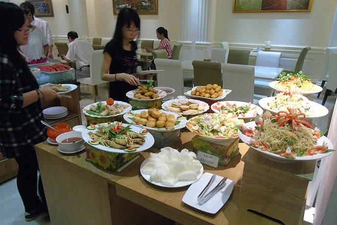 20 địa chỉ ăn buffet ngon rẻ, được yêu thích ở TpHCM  ảnh 9