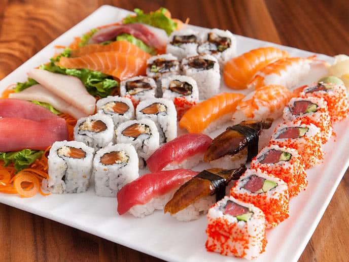 Kết quả hình ảnh cho sushi nhật bản