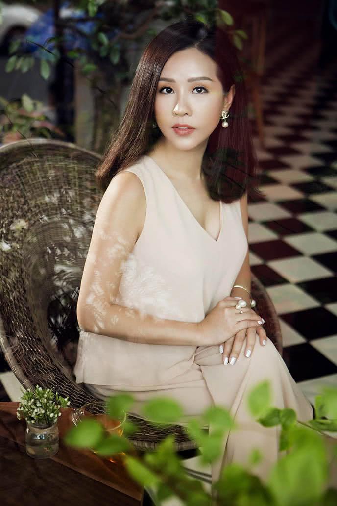 Hoa hậu Thu Hoài 2