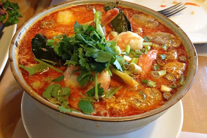 Top 10 nhà hàng buffet tối ngon, hấp dẫn nhất Sài Gòn ảnh 1