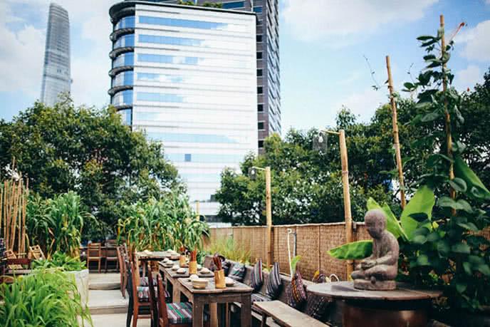 Những nhà hàng có không gian xanh 1