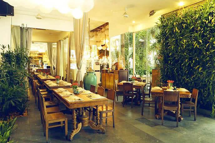 Những nhà hàng có không gian xanh 13