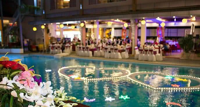 tiệc nướng bbq bên hồ bơi chỉ với 150k 1