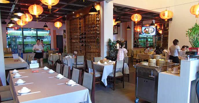 ăn lẩu hải sản khổng lồ ở nhà hàng cưng của dàn sao venus 3