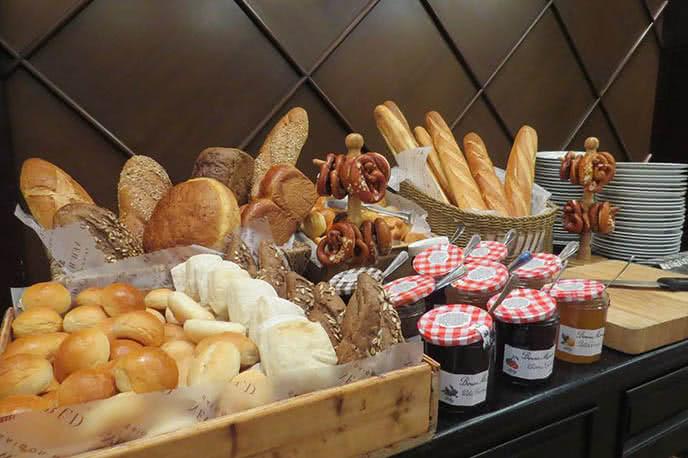 Top 10 nhà hàng buffet ngon tại khách sạn ở TpHCM ảnh 2