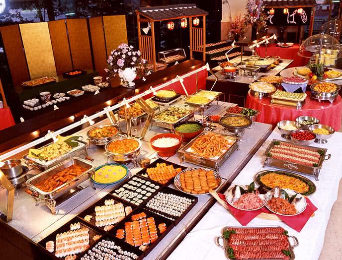Top 10 nhà hàng buffet tối ngon nhất ở TpHCM ảnh 2