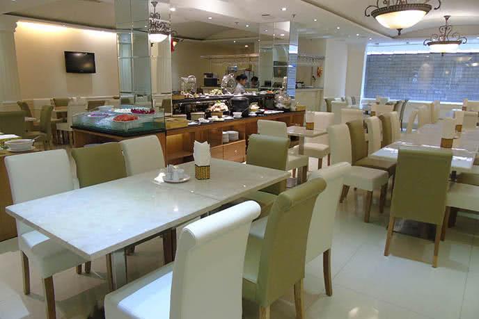 Top 10 nhà hàng buffet món Âu ngon nhất ở TpHCM ảnh 1