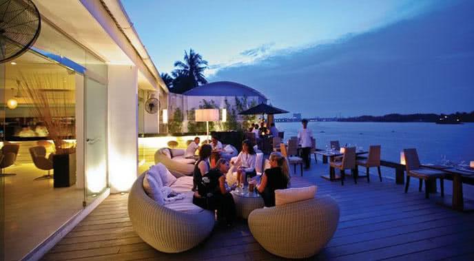 Top 10 nhà hàng lãng mạn nổi tiếng nhất ở Sài Gòn ảnh 2