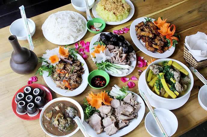 top 10 địa điểm ăn ngon rẻ nổi tiếng nhất Hà Nội 8