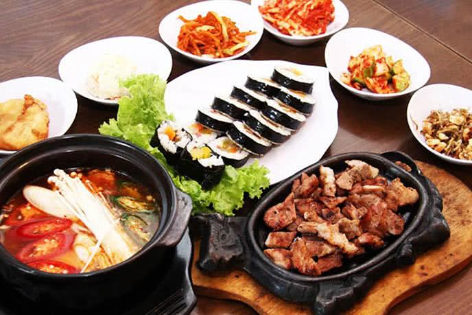 Top 10 nhà hàng ngon nổi tiếng ở quận 1, Sài Gòn  ảnh 2