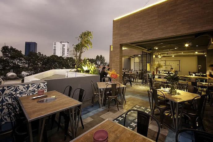 Top 10 nhà hàng sang trọng nổi tiếng nhất Sài Gòn  ảnh 2