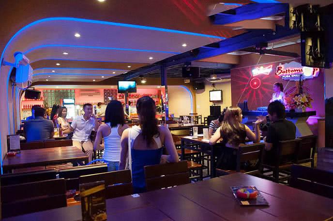 Top 20 beer club nổi tiếng, sôi động nhất ở Sài Gòn ảnh 4