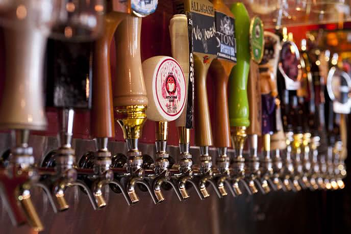 Top 20 beer club nổi tiếng, sôi động nhất ở Sài Gòn ảnh 9