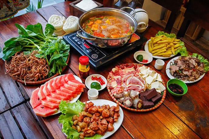 top 10 địa điểm ăn ngon rẻ nổi tiếng nhất Hà Nội 6