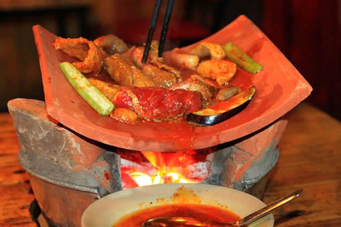 Top 5 quán nướng ngói ngon, nổi tiếng nhất ở Sài Gòn ảnh 1