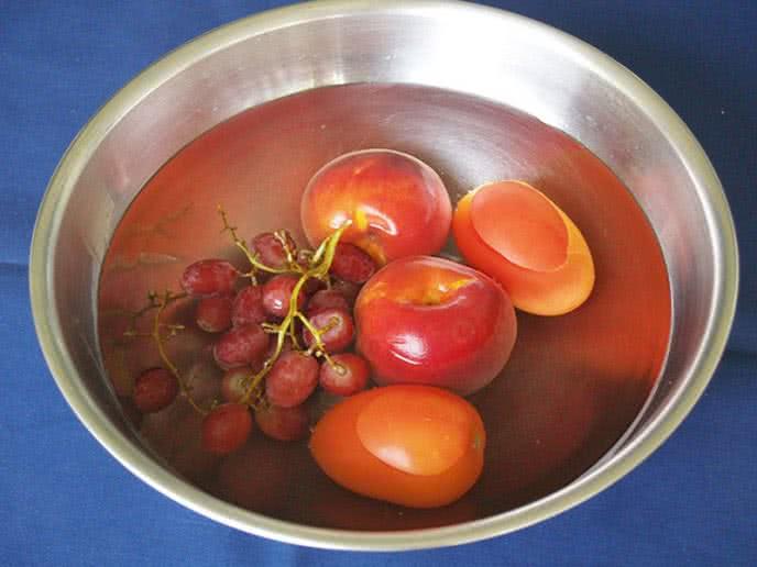 rửa sạch hóa chất trên rau quả ảnh 1