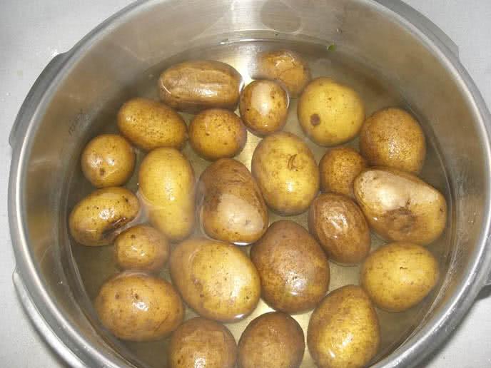 tắm trắng bằng khoai tây tốt hơn ngàn lần kem trộn ảnh 2