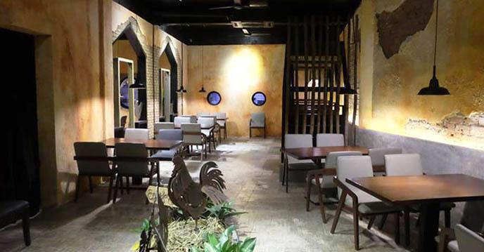 cách làm gà hầm sâm - không gian nhà hàng Cocodak