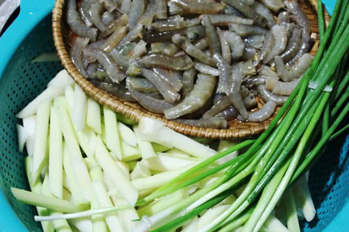 Nguyên liệu - Cách làm gỏi bồn bồn tôm thịt