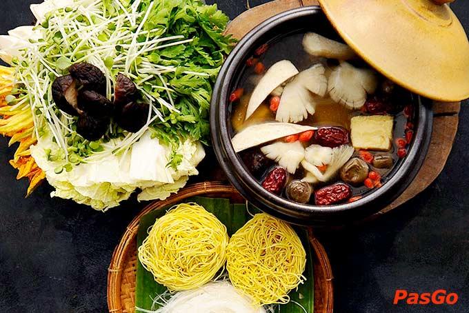 Top 10 nhà hàng chay ngon nổi tiếng, hút khách nhất ở TpHCM -2