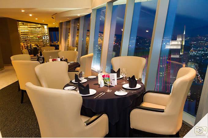 Top 20 nhà hàng có không gian đẹp, nổi tiếng nhất ở TpHCM - 1