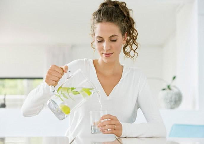 Muốn giảm cân thì hãy uống 5 loại nước này trước khi ăn 1