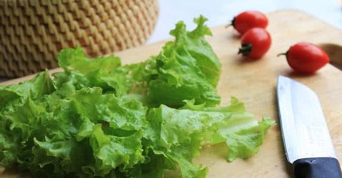 Cách làm salad bổ sung vitamin cho mùa hè
