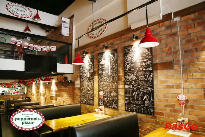Không gian thoáng đãng mang phong cách Tây Âu tại Pizza Pepperonis Hà Đông