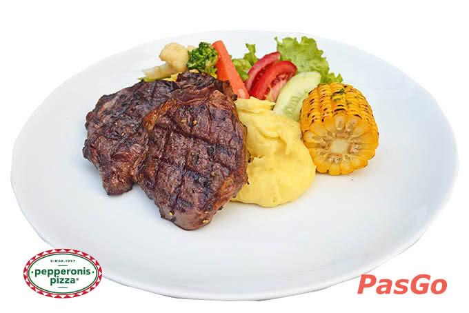 Thăn bò nhập khẩu nướng, dùng kèm khoai tây nghiền, ngô nướng và rau xào bơ tỏi - pepperonis trần phú