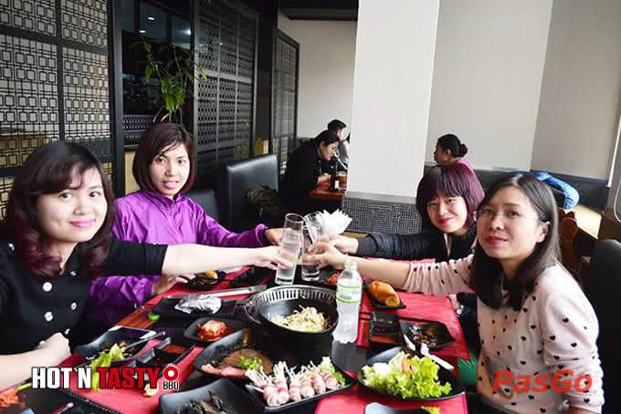 Thực khách Hà Nội thường chọn nơi đây là điểm để hẹn hò, hội họp hot n tasty