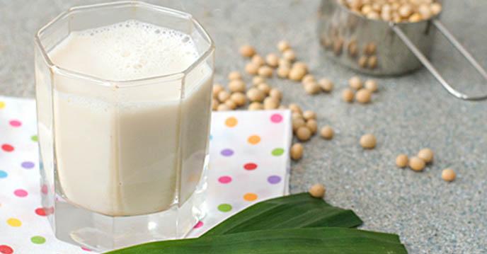 cách làm sữa đậu nành lá dứa 1