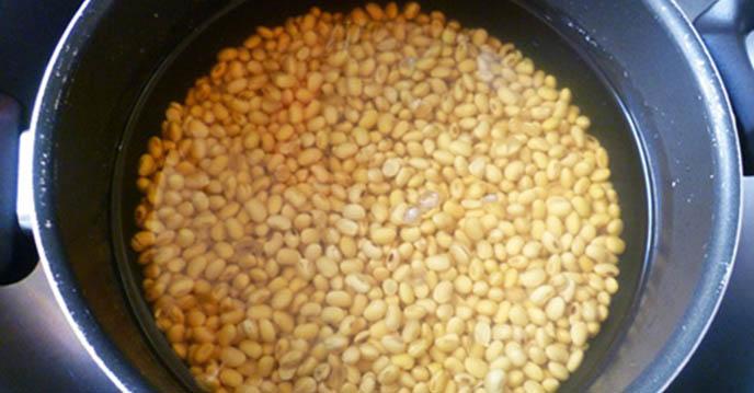 cách làm sữa đậu nành lá dứa 2