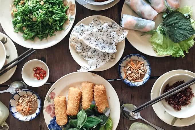 Top 10 quán ăn gia đình ngon rẻ, hút khách nhất ở TpHCM 3