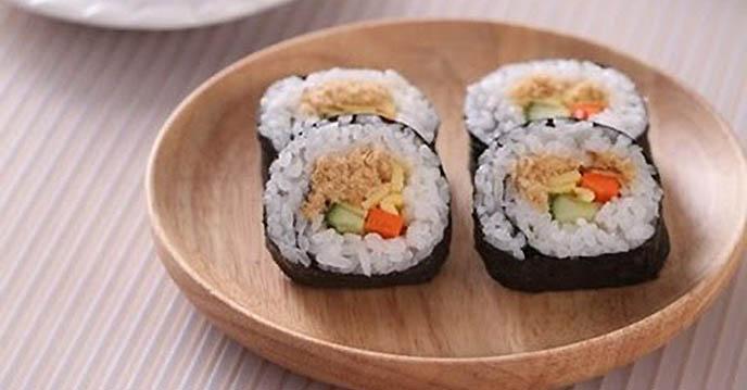 tổng hợp những món ăn hàn quốc ngon - cơm cuộn chà bông