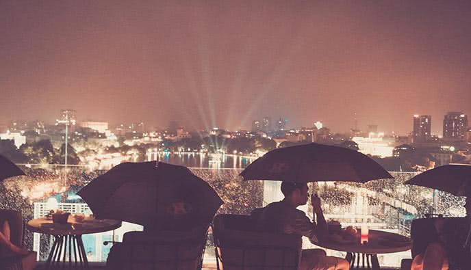 Skyline Hà Nội - rooftop ngay trung tâm thành phố.