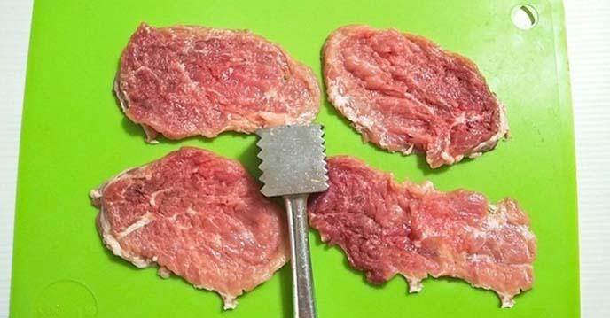 cách làm thăn lợn chiên xù - thịt thái miếng mỏng
