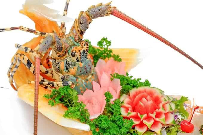 Tôm hùm luộc thế giới hải sản dương đình nghệ